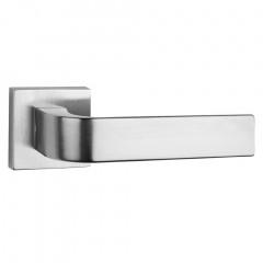 Дверная ручка на розетке Tupai 2732 Q 96 хром матовый