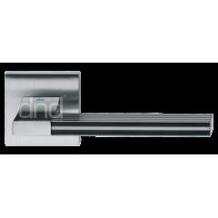 """Дверная ручка на розетке DND """"Джорджио"""", кв., хром блестящий с пластиковой вставкой"""